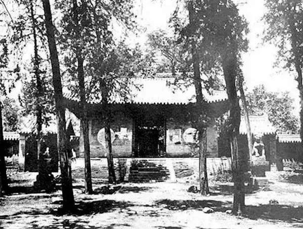 The Shaolin Temple 100 years later: Photo comparison